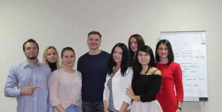 Фото отчет курса «Терапевтическая группа» Виталия Бамбура